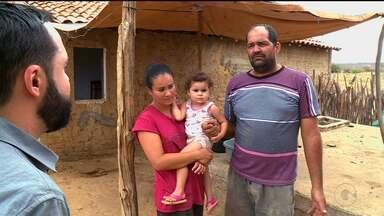 Famílias de Petrolina estão há meses sem receber água da operação carro pipa - Os pipeiros que prestam o serviço dizem que não estão recebendo os pagamentos. E isso está prejudicando a distribuição.
