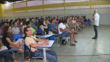 Estudantes de escolas públicas participam de aulão gratuito para o ENEM em Campina Grande - O ENEM acontece nos dias 5 e 6 de novembro.