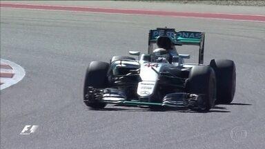 Lewis Hamilton faz o melhor tempo para o do GP dos Estados Unidos de Fórmula 1 - Piloto conseguiu a pole position na última volta da classificação, e segure na luta pelo título.