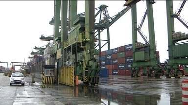 Paralisação de servidores da Receita Federal afeta transporte de cargas - Paralisação de servidores da Receita Federal afeta transporte de cargas