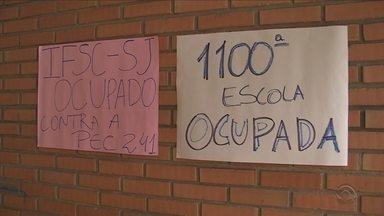 SC tem sete campi do IFSC ocupados por estudantes contra a PEC 241 - SC tem sete campi do IFSC ocupados por estudantes contra a PEC 241