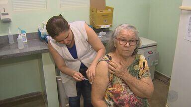 Campanha de vacinação contra a febre amarela começa em Ribeirão Preto, SP - Unidades de saúde estão fazendo a imunização.
