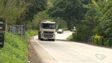 Alta velocidade e ultrapassagens perigosas assustam em rodovia no Sul do ES - A imprudência do motorista, tem como resultado os acidentes.