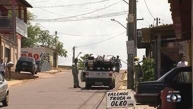 Após chuva e ventania, moradores ficam sem energia no Parque Tremendão, em Goiânia - Por causa do problema, alguns comércios não abriram nesta quarta-feira (26).