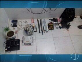 PM apreende drogas durante buscas por assaltantes em Unaí - Assalto aconteceu no Bairro Cidade Nova nesta terça-feira (25).