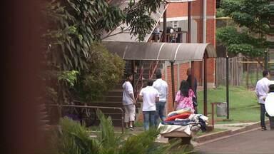 Justiça determina reintegração de mais seis escolas de Londrina - Nesta terça-feira cinco escolas foram liberadas pelos estudantes. As aulas foram retomadas nos colégios desocupados.