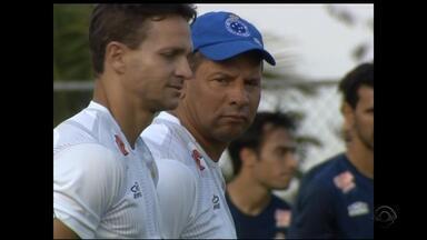 Celso Roth já comandou os quatro times da semifinal da Copa do Brasil - Assista ao vídeo.