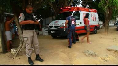 Um morto e outro ferido, nos bairros de Cruz das Armas e Varadouro em João Pessoa - No primeiro caso no bairro de Cruz das Armas, um homem invadiu uma casa e assassinou um rapaz de 33 anos, usuário de drogas e ex-presidiário. O homem baleado foi atingido por tiros vindo de uma caminhonete.