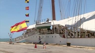 Navio-escola espanhol atraca no Porto do Recife - Embarcação veio de Salvador e já fez 88 viagens de instrução.