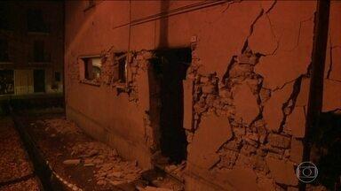 Região central da Itália volta a ser atingida por terremotos - Região foi devastada por tremores em agosto. Não há informações sobre mortos ou feridos.