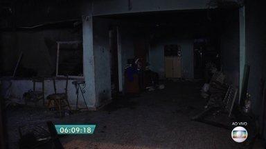 Duas pessoas morrem em incêndio em Santo André - Um cadeirante e uma moça de 18 anos morreram no incêndio em uma casa na cidade do ABC Paulista.