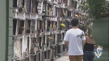 Cemitérios da Baixada Santista esperam milhares de visitantes nesta quarta-feira - Familiares aproveitam o Dia de Finados para homenagear entes queridos.