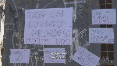 Campinas tem novas escolas ocupadas por estudantes em protesto contra a reforma no ensino - Alunos disseram que decidiram permanecer nas unidades ao final das aulas desta terça-feira (1).