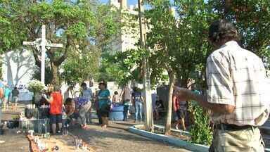 Cemitérios têm celebrações religiosas durante o Dia de Finados em Cuiabá - Cemitérios têm celebrações religiosas durante o Dia de Finados em Cuiabá.