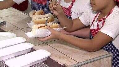 Projeto sobre países da América do Sul rende concurso culinário com crianças - Iniciativa aconteceu na Escola Municipal Colégio Santista.