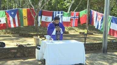 Missa realizada no Cemitério da Candelária homenageia trabalhadores da EFMM - A tradicional missa do Dia de Finados foi realizada no cemitério da Candelária para homenagear os trabalhadores da EFMM. No entanto, poucos compareceram ao local para prestar homenagens