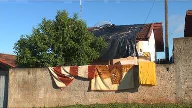 Temporal provocou estrago em Balsa Nova, na Região Metropolitana de Curitiba - Por causa dos estragos, o posto de saúde 24 horas da cidade está fechado.