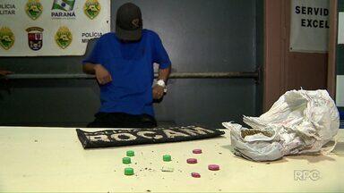 Homens são presos por tráfico de drogas no Jardim Jupira - A polícia já tinha recebido denúncia contra um dos rapazes.