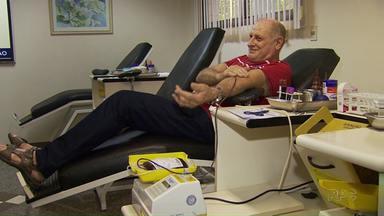 Bancos de sangue de Maringá estão precisando da ajuda dos doadores - Com um feriadão pela frente as doações caem e quem pode doar pode procurar os bancos de sangue, neste sábado tem atendimento.