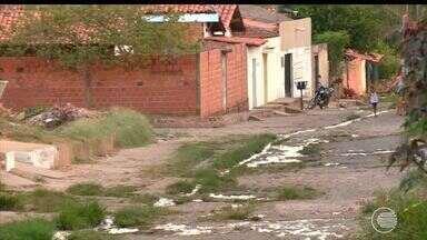 Moradores da Zona Leste pedem solução para rua com muitos buracos - Moradores da Zona Leste pedem solução para rua com muitos buracos