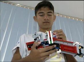 Alunos montam robô e se preparam para participar do Festival Sesi de Robótica - Alunos montam robô e se preparam para participar do Festival Sesi de Robótica