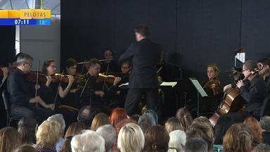 Concerto embala último final de semana da Feira do Livro - Evento ofereceu diversas atividades culturais para a família.