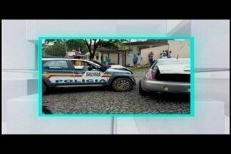 Motorista embriagado bate em viatura da PM em Itaúna - Ele foi preso em flagrante.
