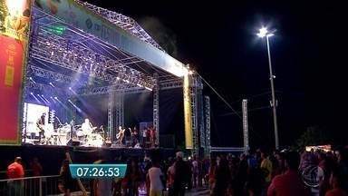 Carlinhos Brown se apresenta no Festival América do Sul - Evento é uma união da cultura de Mato Grosso do Sul e de vários países com comida, literatura e música.