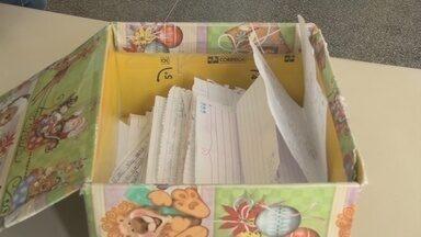 Campanha 'Papai Noel dos Correios' está sendo realizado em Cacoal - Crianças carente escrevem cartas que podem ser adotadas por pessoas que queiram realizar os pedidos.