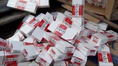 DOF apreende carga com mais de 45 mil pacotes de cigarros contrabandeados em MS - Policiais do Departamento de Operações de Fronteira (DOF) apreenderam uma carga com mais de 45 mil pacotes de cigarros contrabandeados do Paraguai. Para combater esse tipo de crime, a fiscalização está reforçada no feriadão.