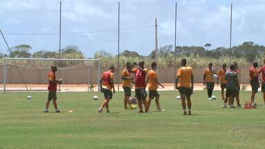 CRB volta a treinar de olho nos próximos jogos da Série B - Após tropeçar no Paysandu e se afastar do acesso para Série A, equipe Alvirubro volta aos treinos.