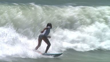 Surfistas criam clube voltado só para mulheres - A repórter Andréa Resende traz mais informações sobre o evento.