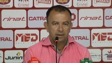 Presidente do Vila Nova promete sanar dívidas com os jogadores - Segundo Ecival Martins, nenhum atleta sairá do clube sem acerto. Salários estão atrasados.
