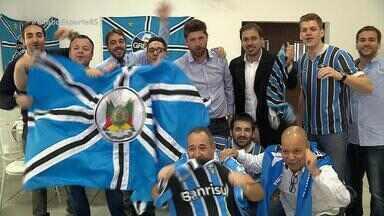 Grupo de amigos gremistas se mobiliza para assistir final em Belo Horizonte - Eles compraram passagens e reservaram hotel antes de conseguir ingresso.