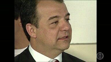 Banco Central bloqueia R$ 11 milhões de contas da esposa de Sérgio Cabral - Em uma das contas de Cabral havia apenas R$ 454.
