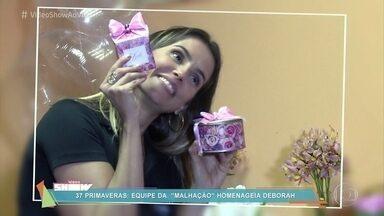 Deborah Secco ganha festa surpresa do marido nos bastidores de 'Malhação' - Atriz foi surpreendida por Hugo Moura e toda a galera de 'Malhação' com uma festança no camarim