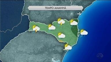 Frente fria avança por SC e traz chances de chuva nesta terça (29) - Frente fria avança por SC e traz chances de chuva nesta terça (29)