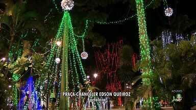 Praças de Fortaleza ganham iluminação e decoração natalina - Repórter André Alencar foi até a Praça da Imprensa Chanceler Edson Queiroz