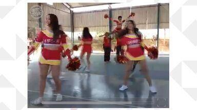 Em Movimento: Conheça mais grupos de cheerleaders capixabas - Turmas de outras faculdades também mantêm tradição americana das líderes de torcida.