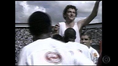 Multicampeão, meia Elano, do Santos, se despede do futebol - Multicampeão, meia Elano, do Santos, se despede do futebol