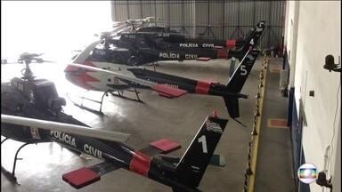 Quatro helicópteros da Polícia Civil do Governo do Estado não tem licença pra voar - A manutenção não foi feita, e sem ela, a licença é suspensa pela Agência Nacional de Aviação Civil. Uma das aeronaves já não voa há um ano.