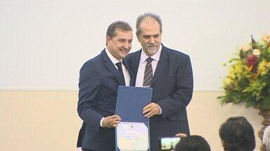 Dr Hildon Chaves é diplomado prefeito de Porto Velho - Evento aconteceu nesta sexta-feira (9) no auditório de uma faculdade.