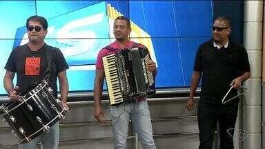 Bandas de forró se reúnem em 'Encontro da Saudade' em Linhares, Norte do ES - Banda 'Fogo na coisa' participa do encontro.