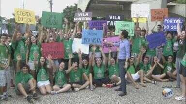 Estudantes arrecadam alimentos e produtos para instituições carentes de São Carlos, SP - No semestre do ano foram arrecadadas cerca de 14 toneladas.