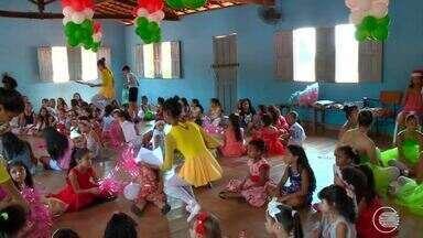 Projeto ensina balé para crianças e prepara surpresa de Natal para alunas - Projeto ensina balé para crianças e prepara surpresa para alunas
