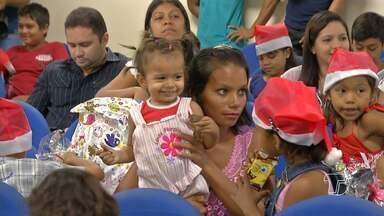Servidores do Fórum 'adotam' cartinhas de natal e presenteiam crianças - Pelo menos 50 cartinhas foram escolhidas de crianças que são assistidas pela Associação Irmã Dulce dos Pobres.