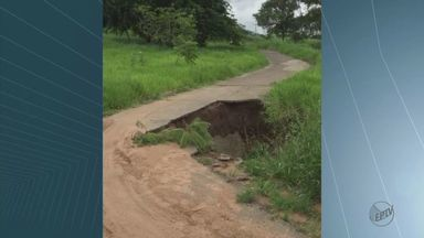 Buraco em ponte preocupa moradores do Cidade Aracy, em São Carlos - Prefeitura afirma que passagem será interditada e não há prazo para recuperação.