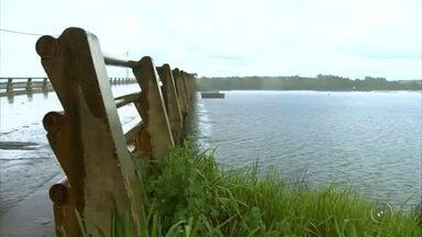 Corpo de pescador é encontrado no rio São José dos Dourados - O corpo de um pescador de 67 anos foi encontrado, na manhã desta terça-feira (13), no rio São José dos Dourados, em Ilha Solteira (SP).