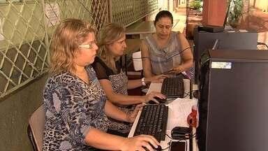 Pais relatam problemas para fazer pré-matricula dos filhos em Cmeis de Goiânia - Muitos foram até o Conselho Tutelar para conseguir ajuda.