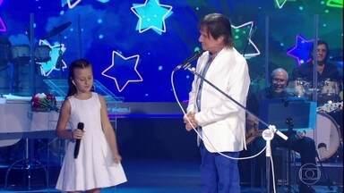 Roberto Carlos e Rafa Gomes cantam a música 'Ben' - Assista!